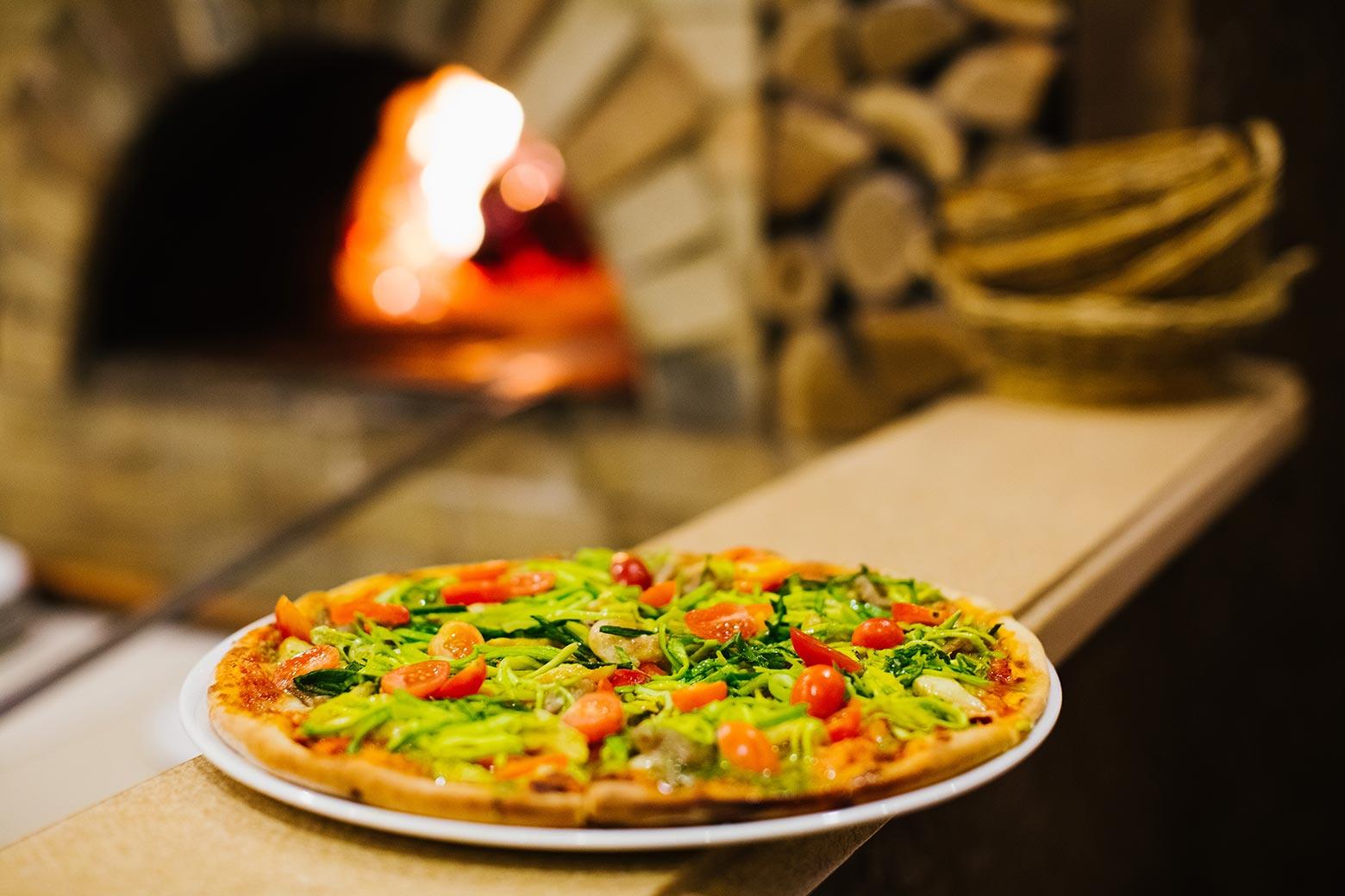 Доставка пиццы и еды. Итальянская кухня в Волжском.